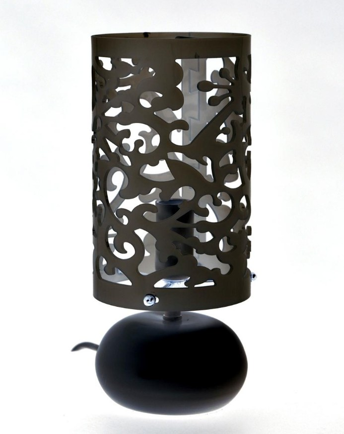 Une lampe de bureau style baroque